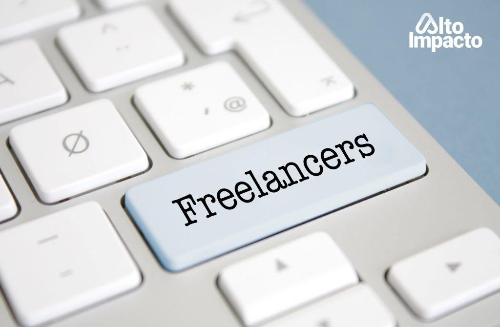 Computador con una tecla para freelancers.